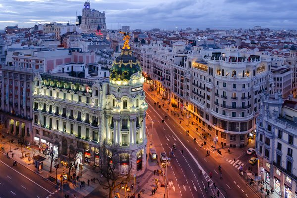 Gran Via Madrid: what to do and where to stay